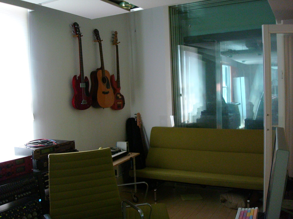 MUSIC STUDIO 2-14-GREEN.JPG