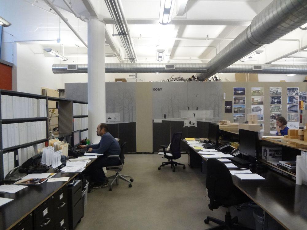 OFFICE 27_11.jpg