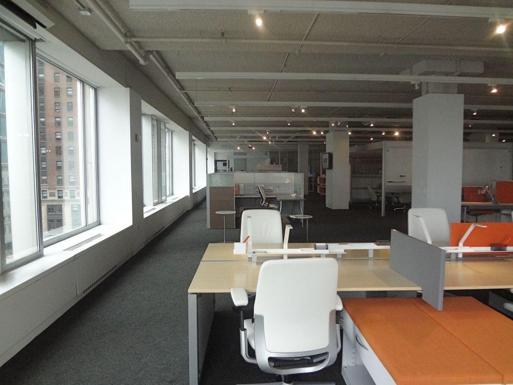 OFFICE 25_2.jpg