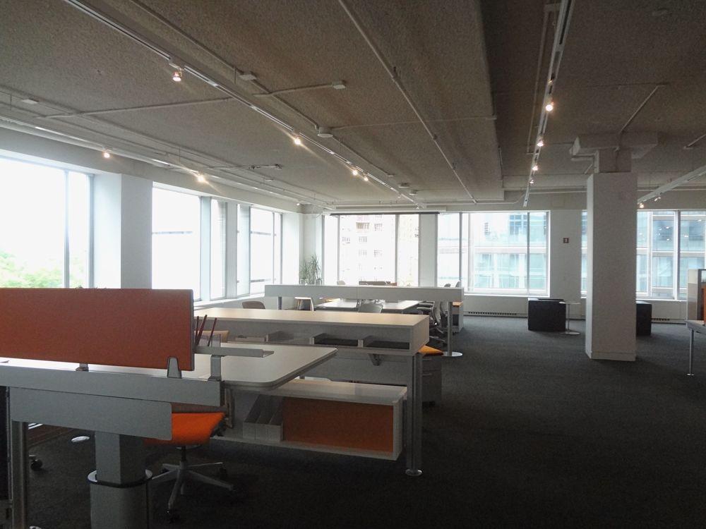 OFFICE 25_1.jpg