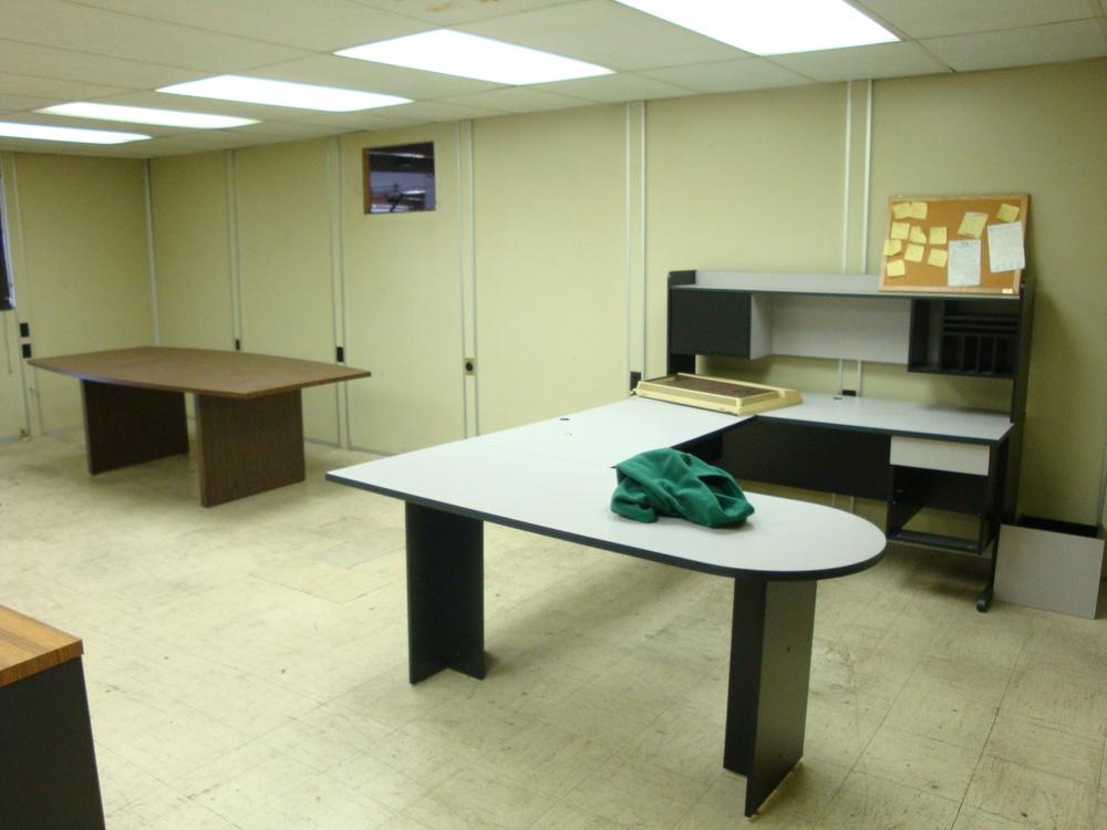 OFFICE 20-04-OFFICE A.JPG
