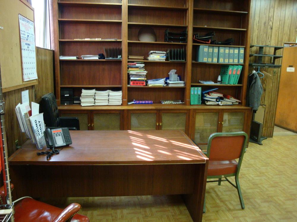 OFFICE 20-06-OFFICE B.JPG
