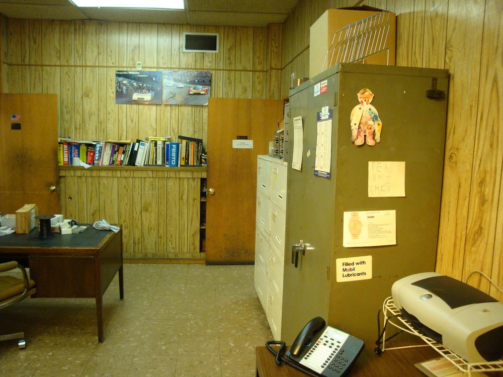 OFFICE 20-13-OFFICE B.JPG