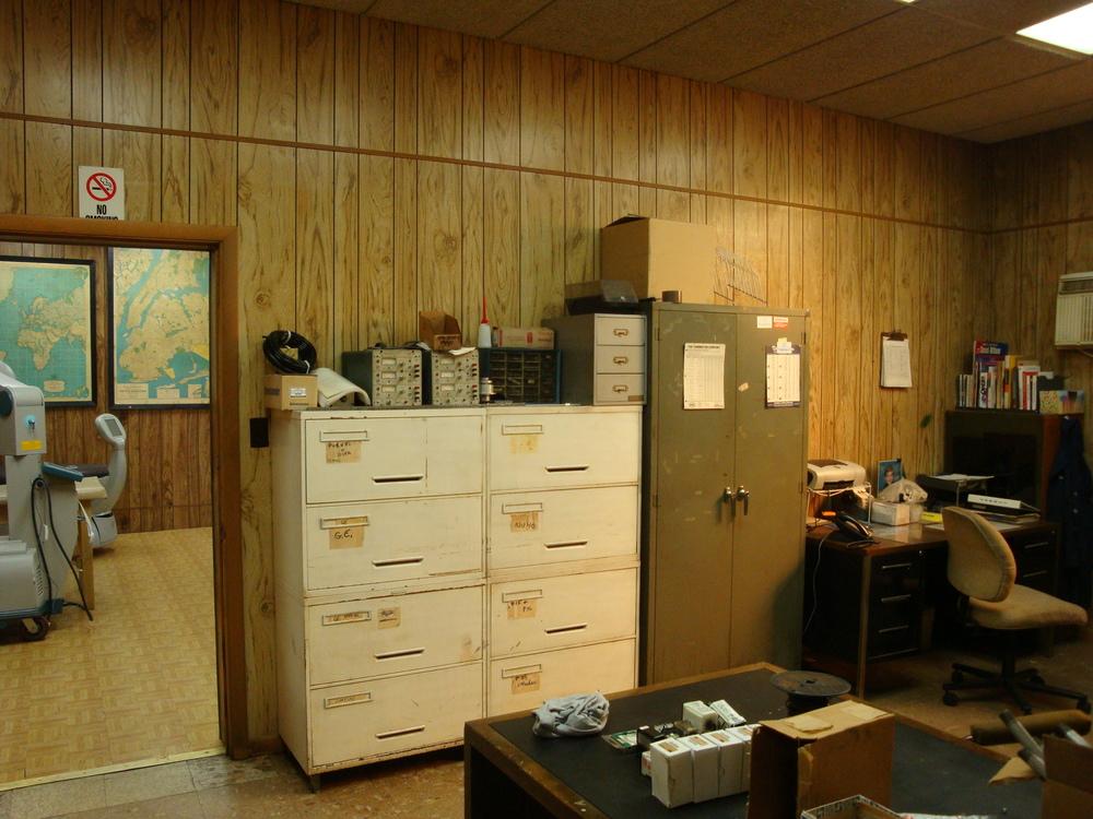 OFFICE 20-14-OFFICE B.JPG
