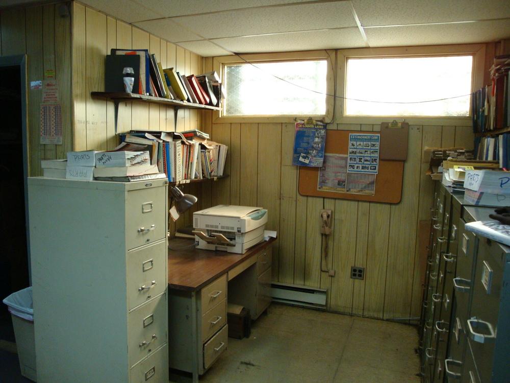 OFFICE 20-21-OFFICE C.JPG