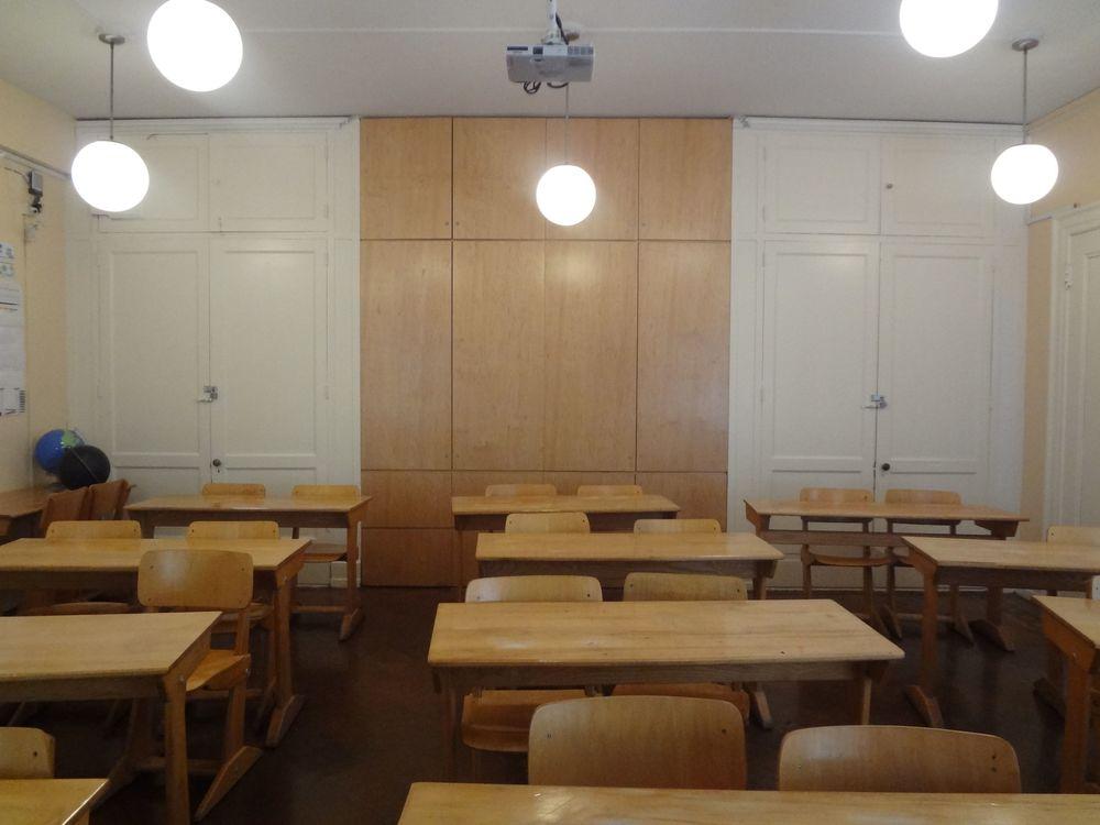 SCHOOL 19-27.jpg