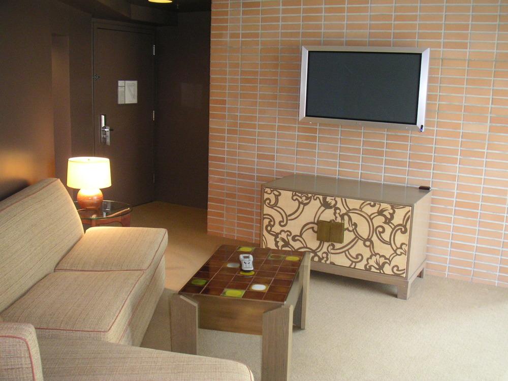 HOTEL 13-19.JPG