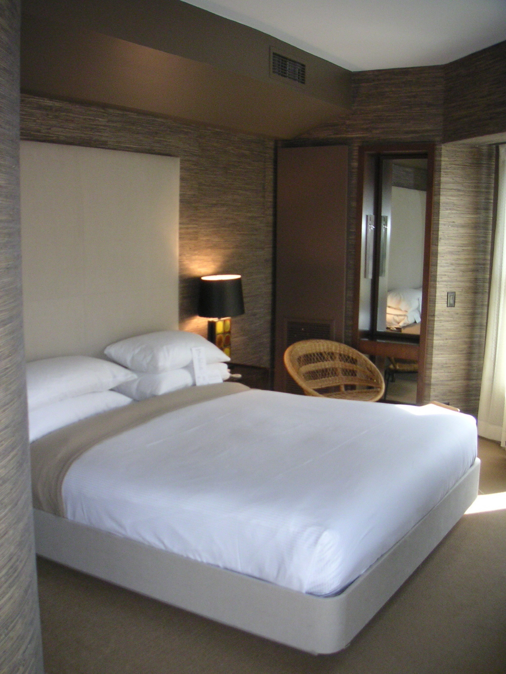 HOTEL 13-21.JPG