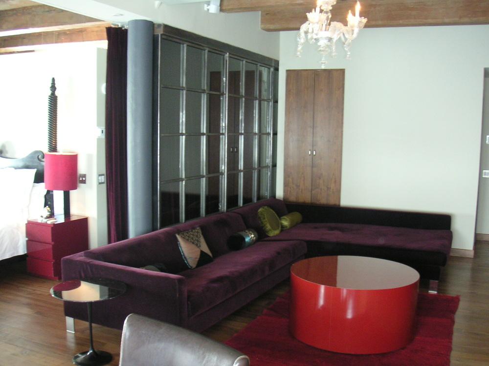 HOTEL 15A-3.JPG