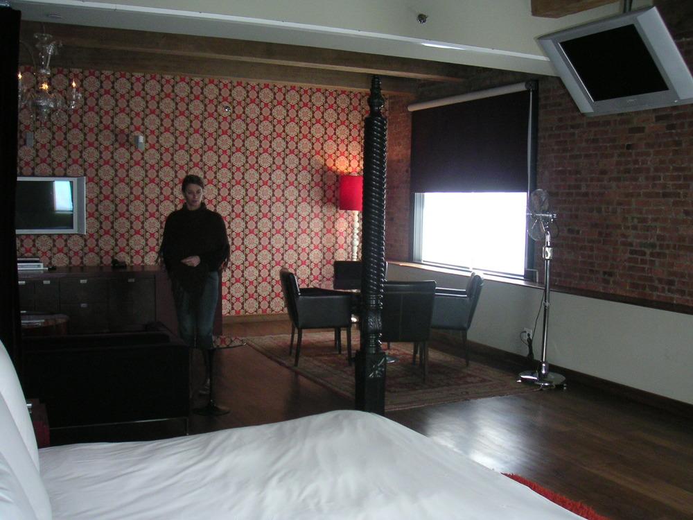 HOTEL 15A-13.JPG