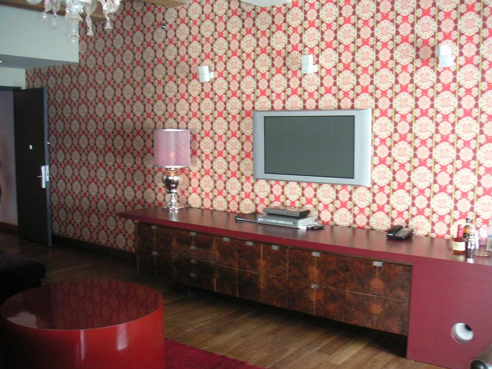 HOTEL 15A-15.JPG