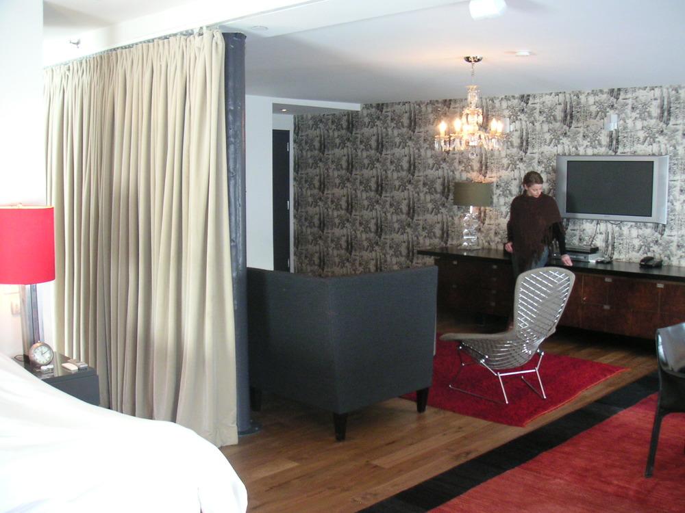 HOTEL 15B-22.JPG