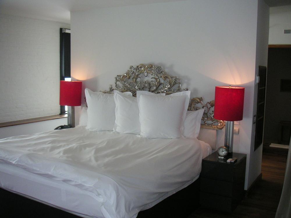 HOTEL 15B-21.JPG