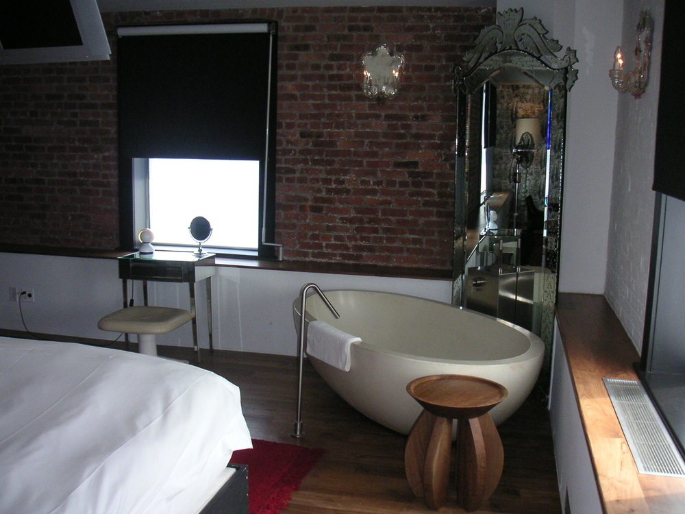 HOTEL 15B-25.JPG