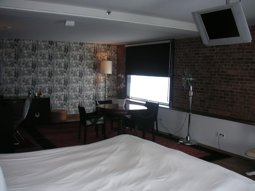 HOTEL 15B-27.JPG