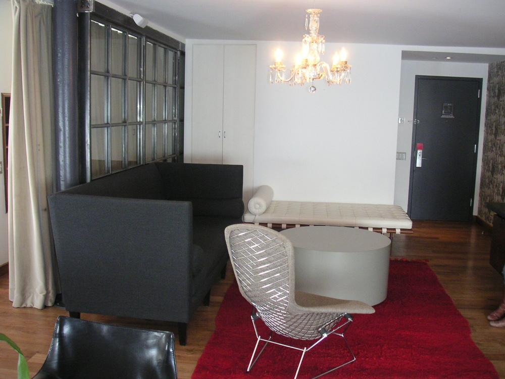HOTEL 15B-28.JPG