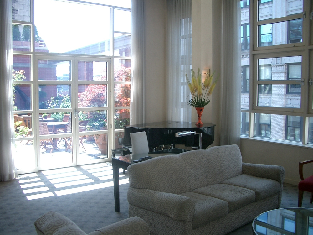 HOTEL 17-04.JPG