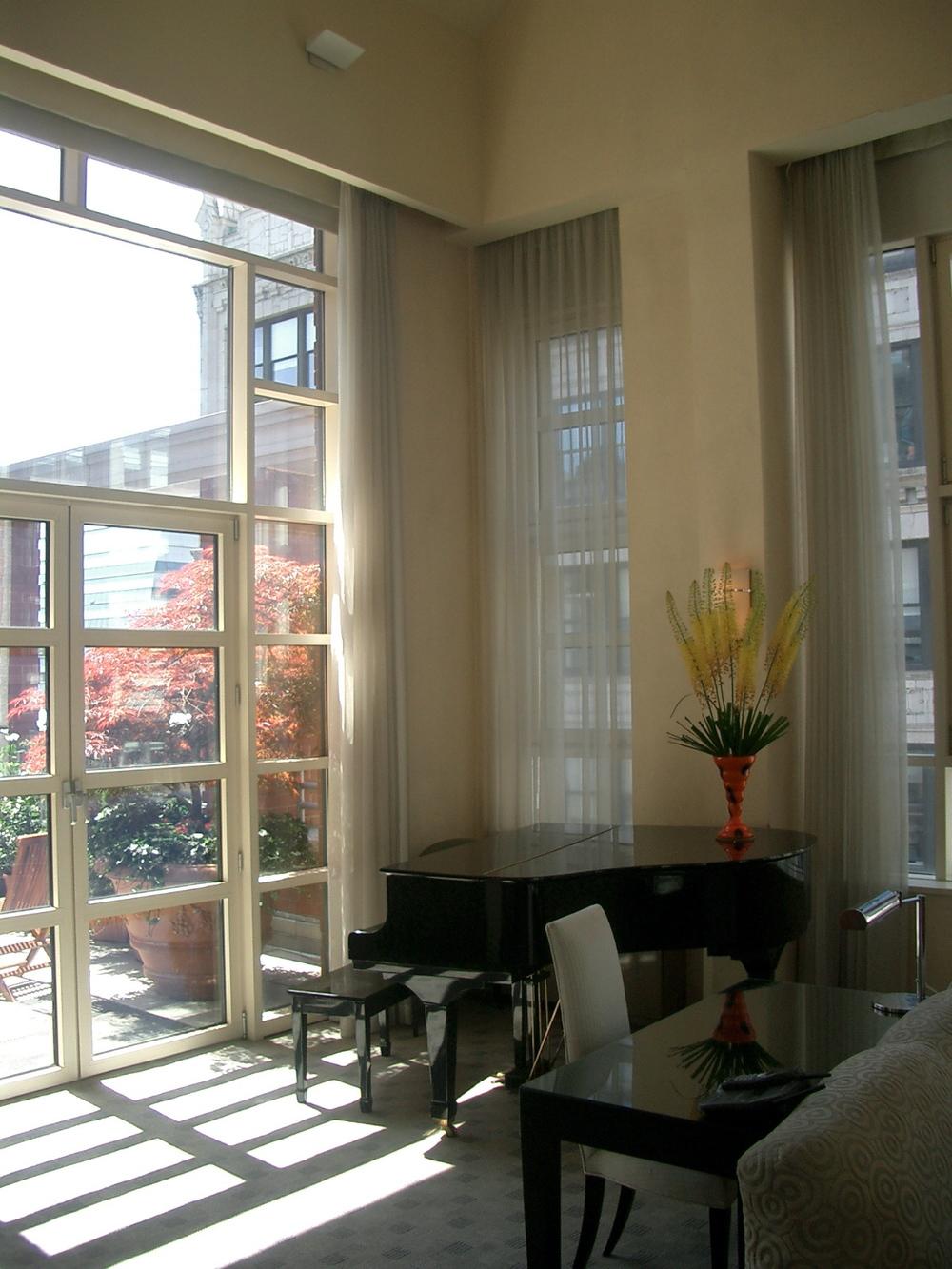 HOTEL 17-05.JPG