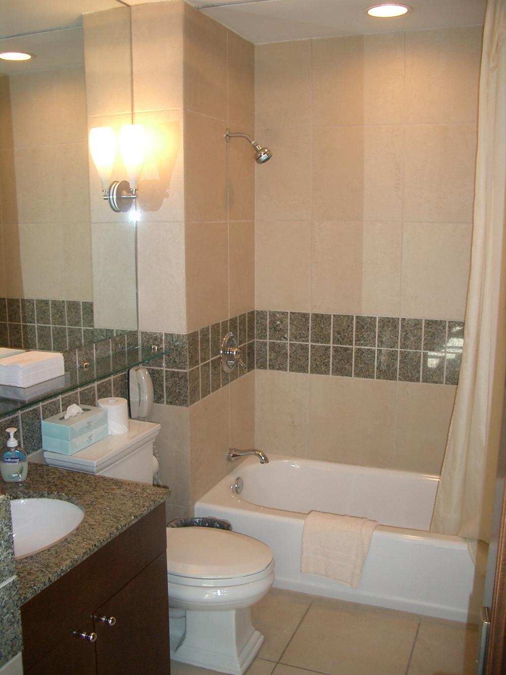 HOTEL 17-07.JPG