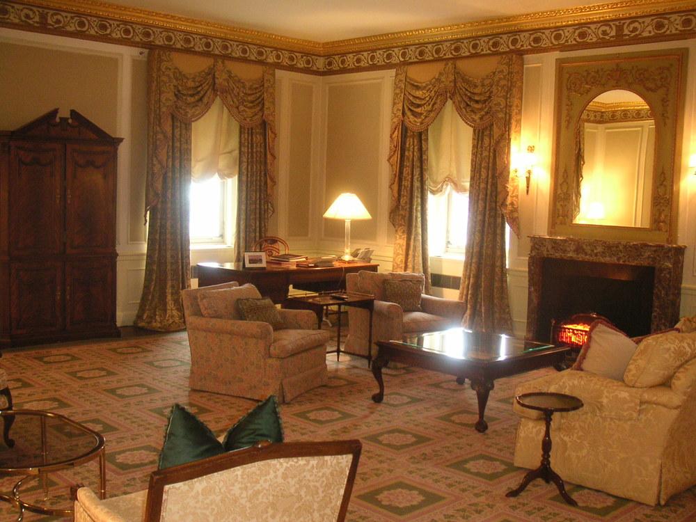 HOTEL 23-02.JPG