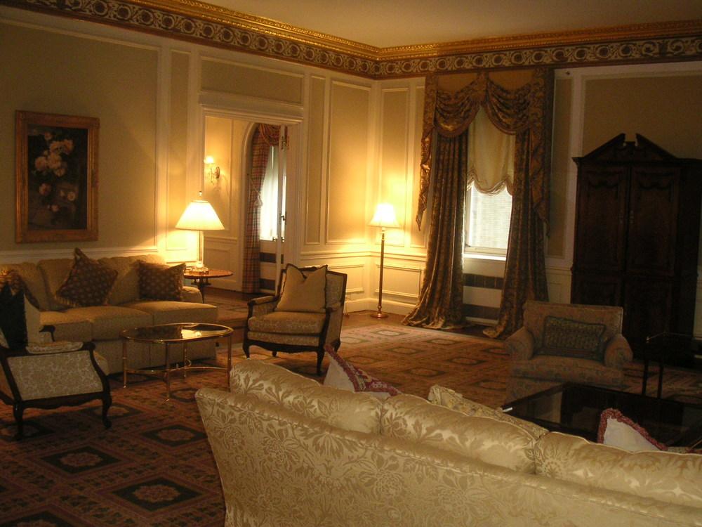 HOTEL 23-03.JPG