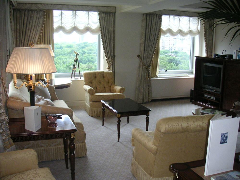 HOTEL 24-02.JPG