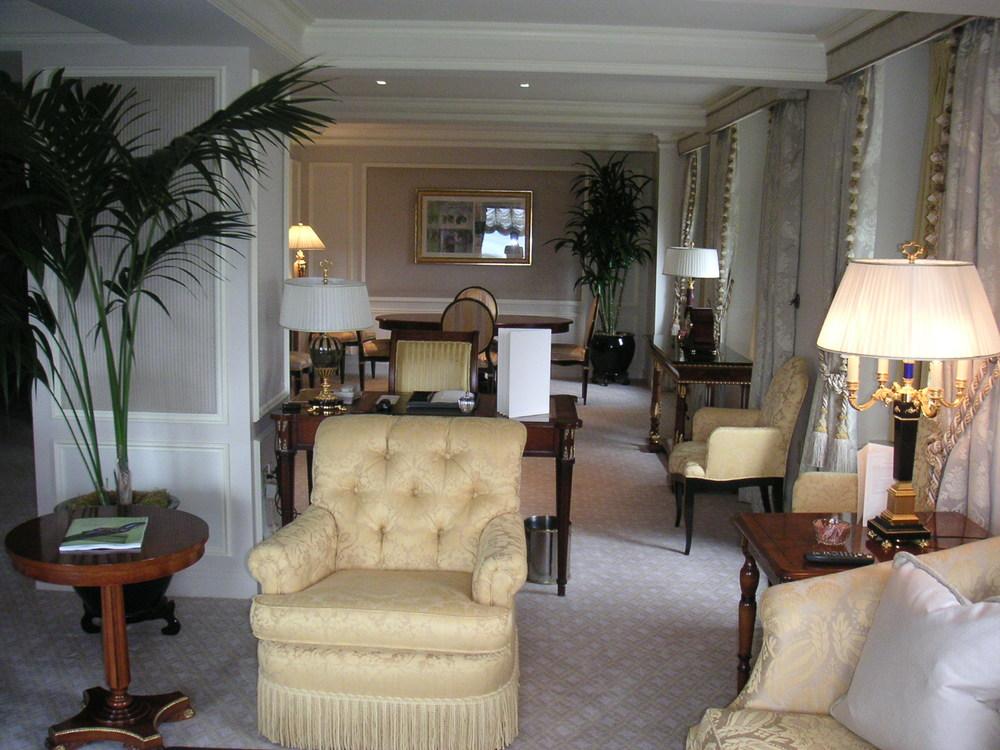 HOTEL 24-03.JPG