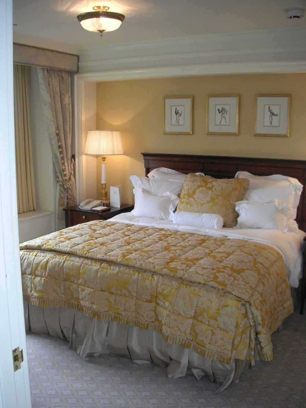 HOTEL 24-07.JPG