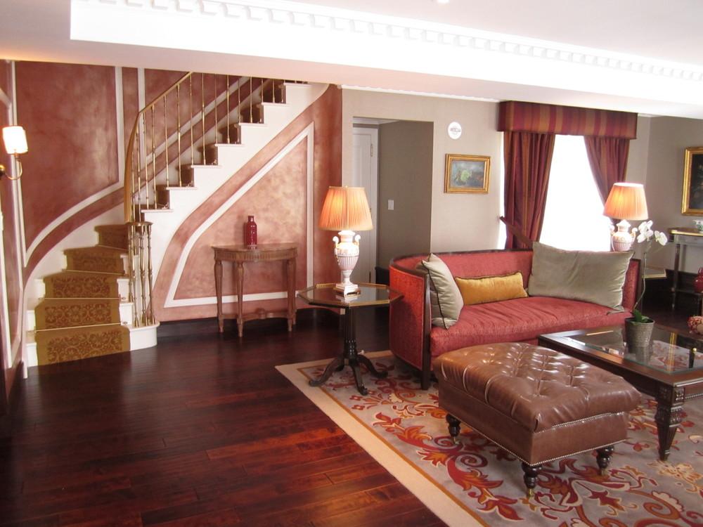 HOTEL 67-08.JPG