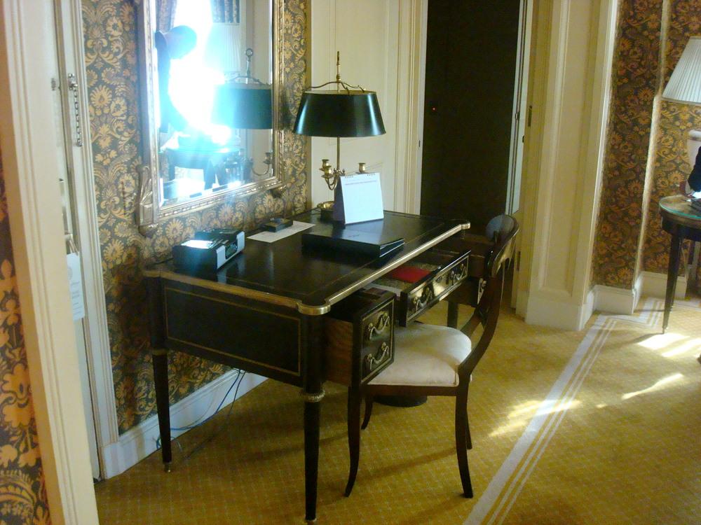 HOTEL 45-09.JPG