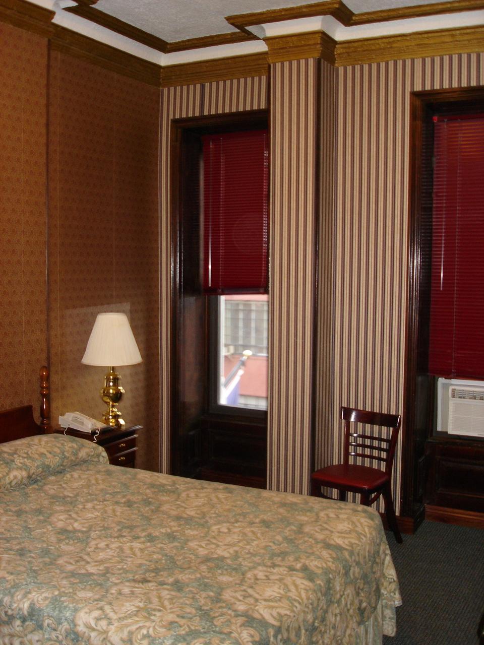 HOTEL 31-312-06.JPG