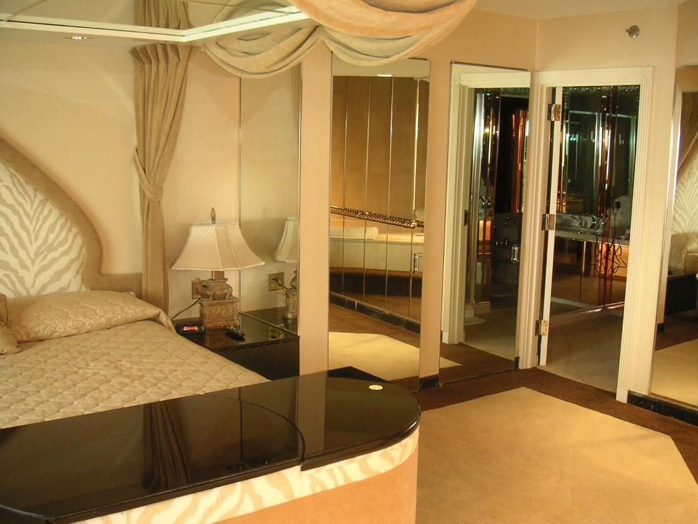 HOTEL 34-05.JPG
