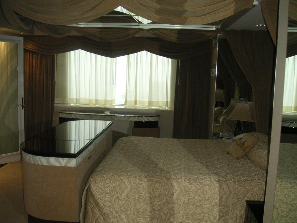 HOTEL 34-07.JPG