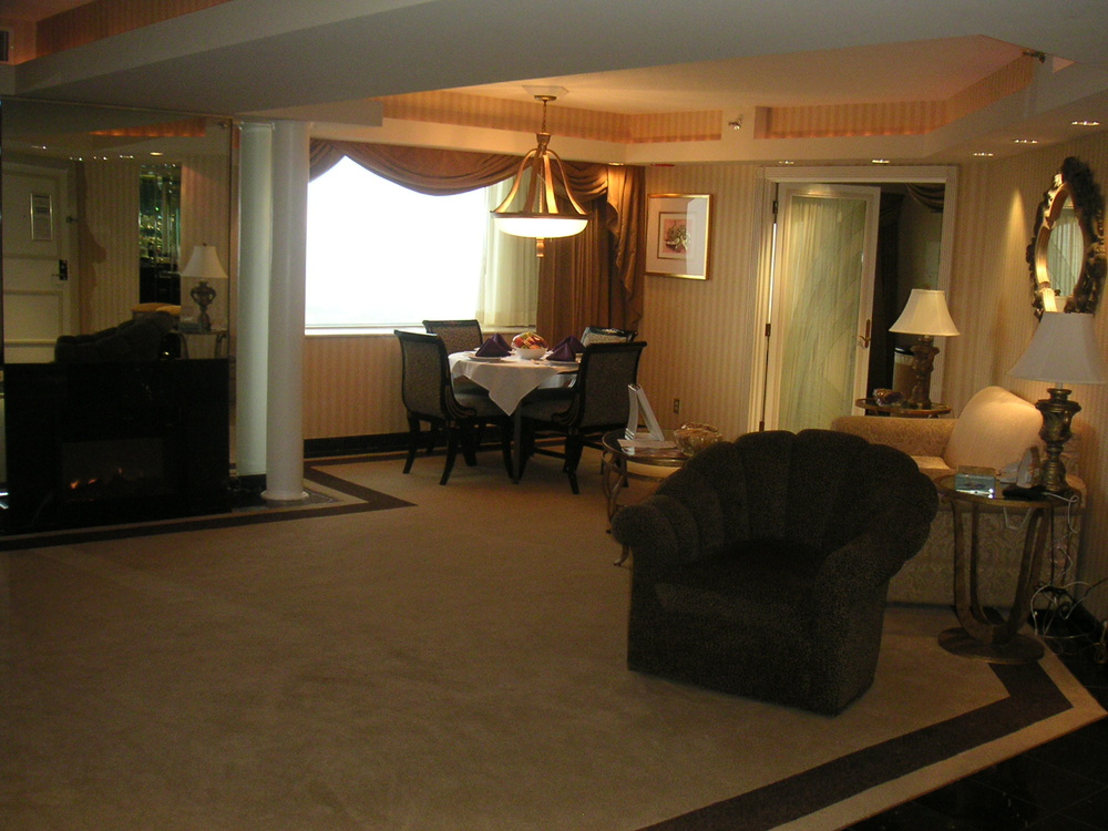 HOTEL 34-21.JPG