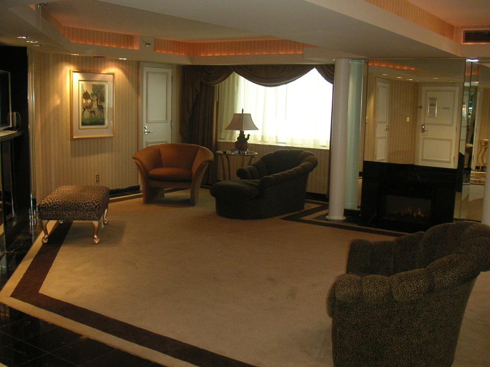 HOTEL 34-22.JPG