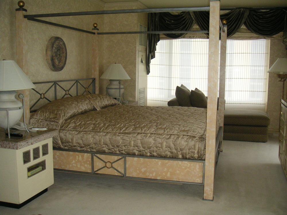 HOTEL 35-01.JPG