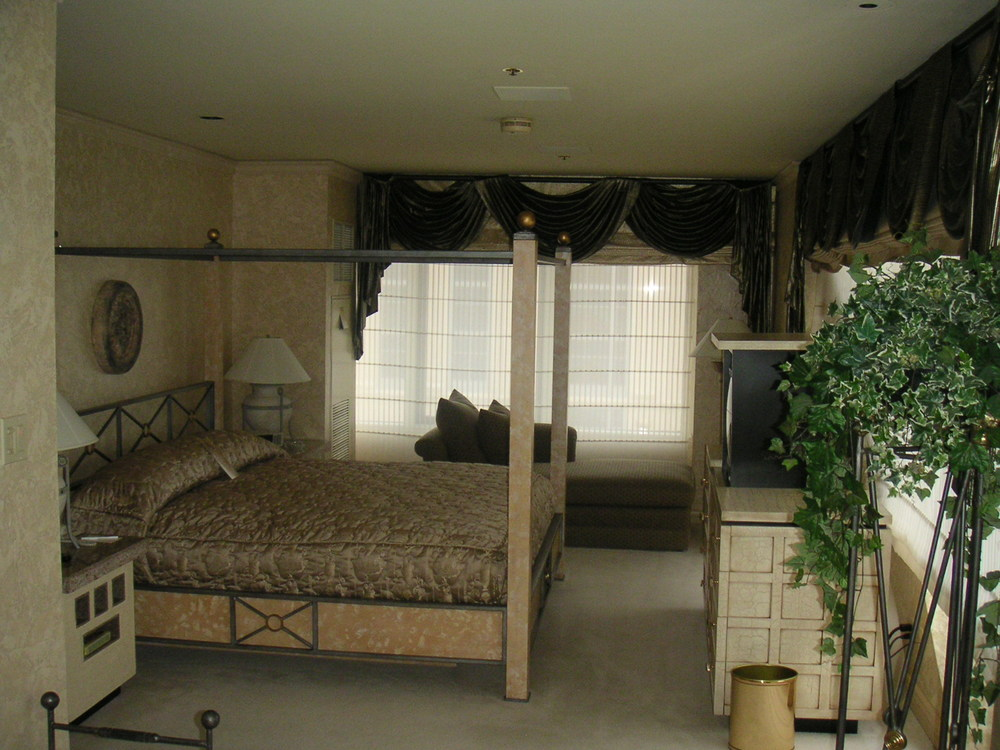 HOTEL 35-06.JPG