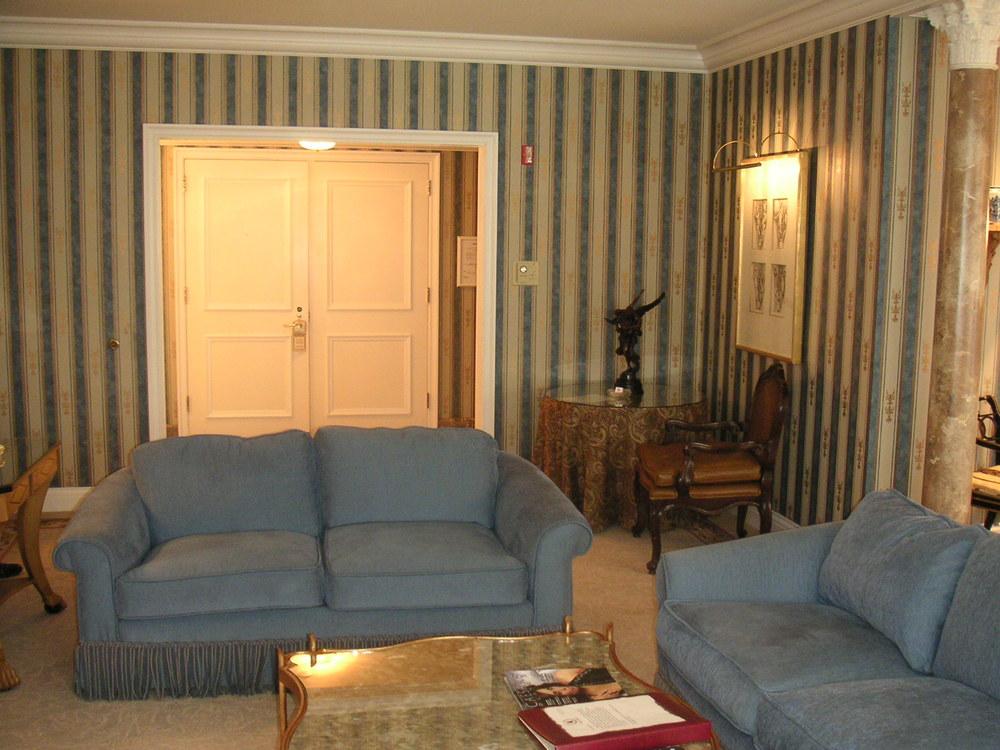 HOTEL 35-23.JPG