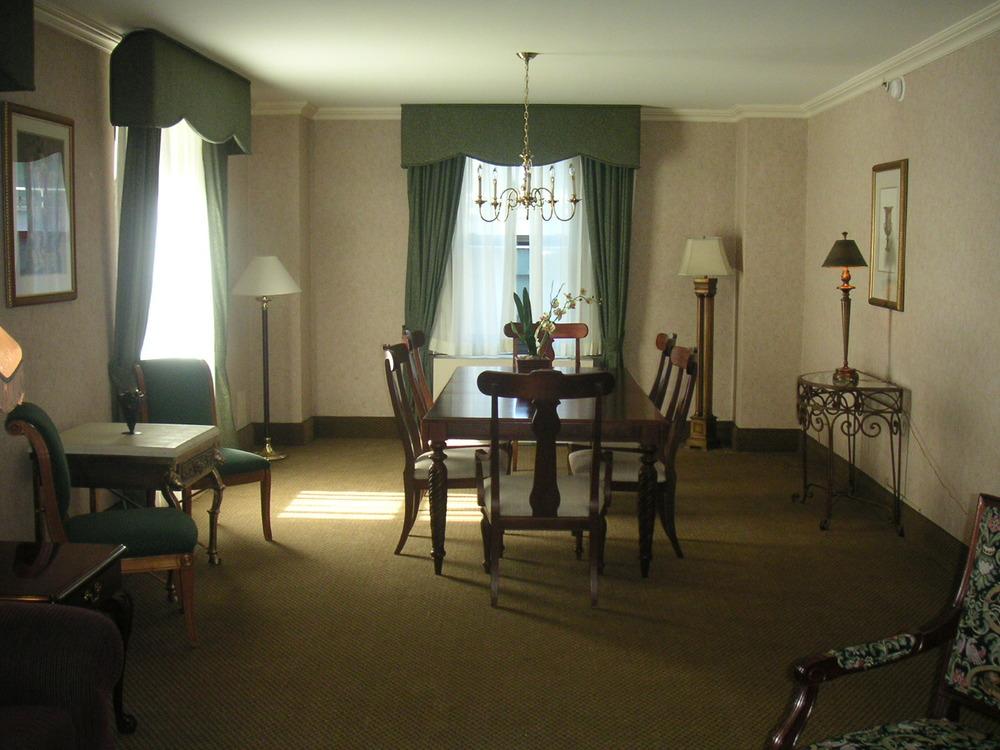 HOTEL 37-1227-35.JPG
