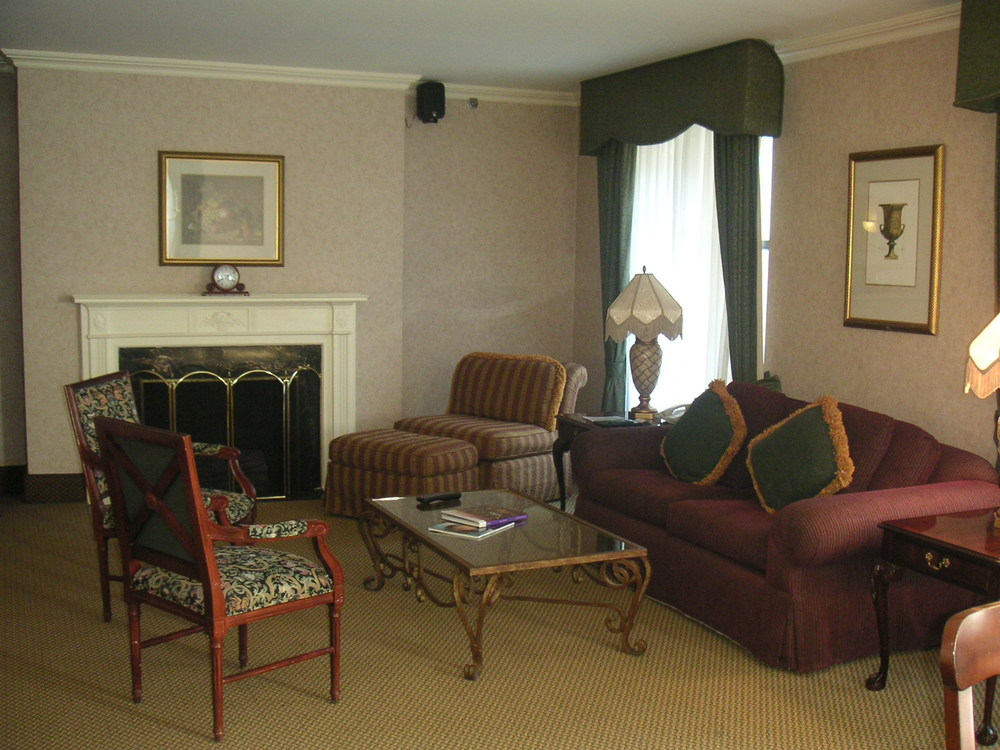 HOTEL 37-1227-36.JPG