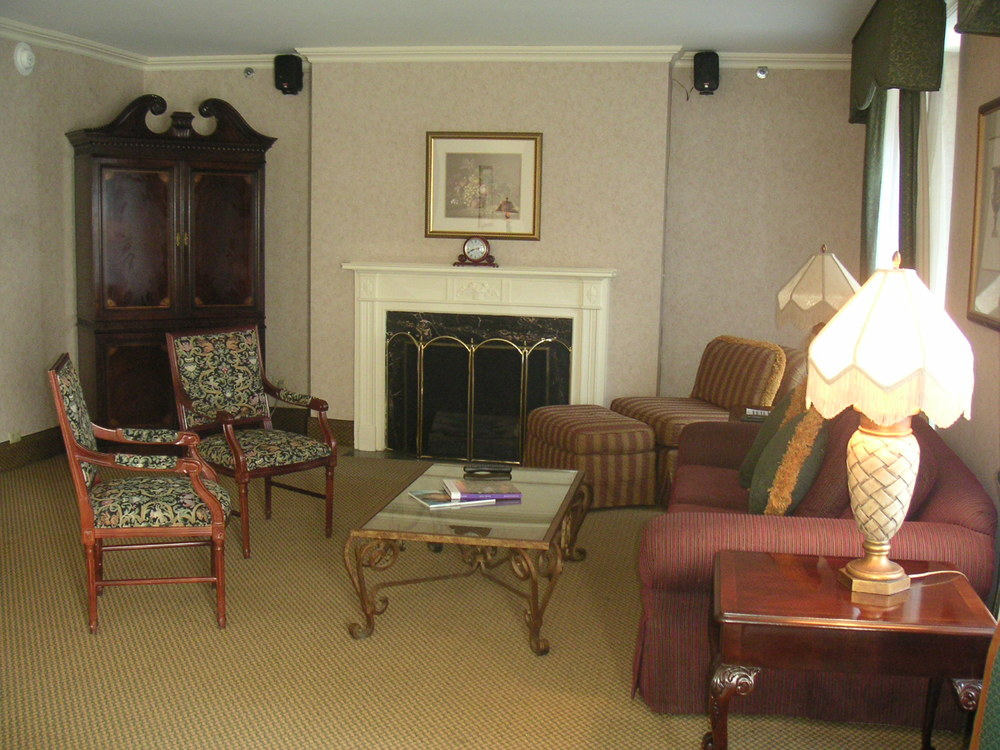 HOTEL 37-1227-37.JPG