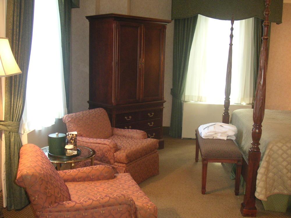 HOTEL 37-1227-40.JPG