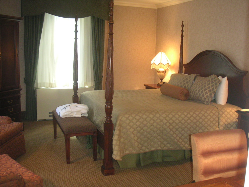 HOTEL 37-1227-39.JPG