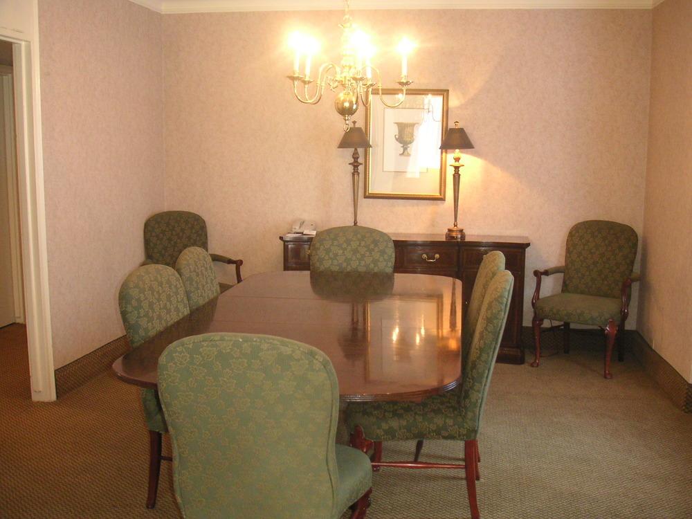 HOTEL 37-1527-27.JPG