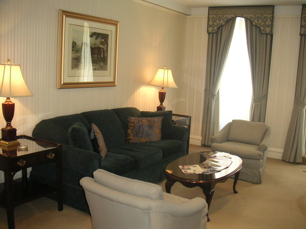 HOTEL 37-1627-10.JPG