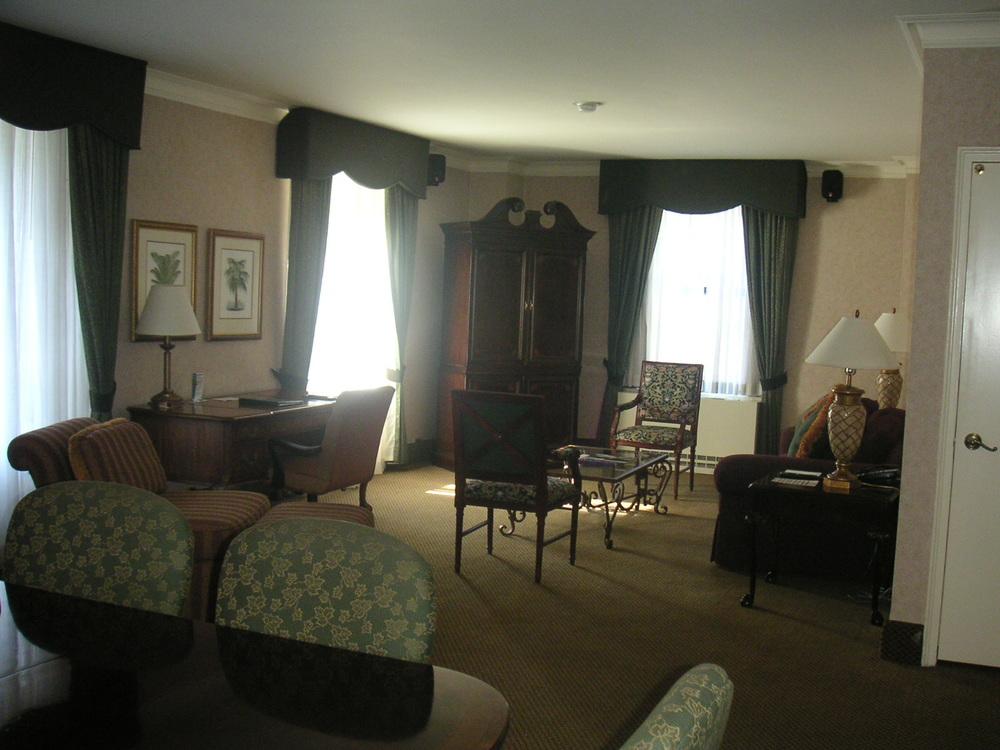 HOTEL 37-1627-12.JPG