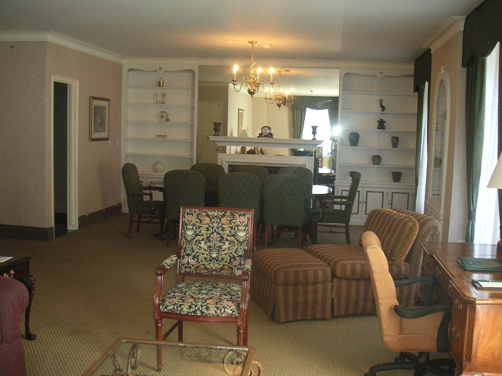 HOTEL 37-1627-16.JPG