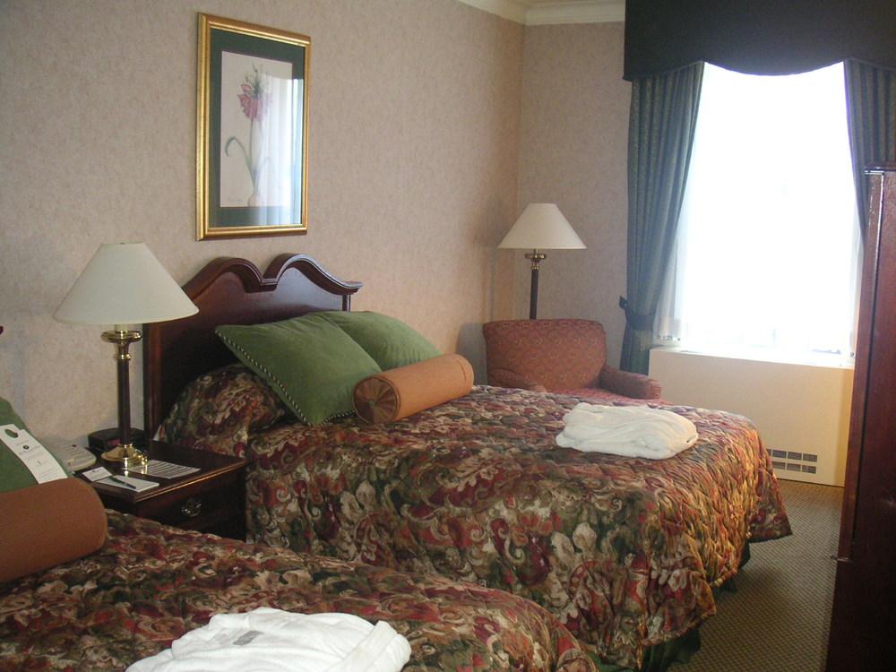 HOTEL 37-1627-21.JPG