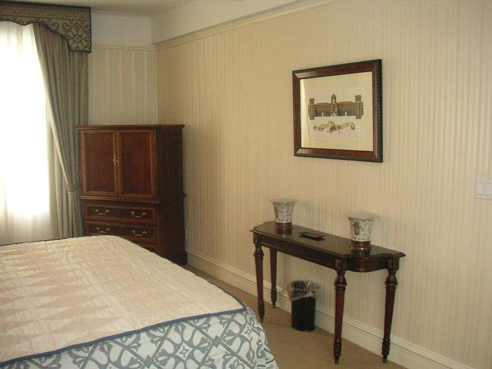 HOTEL 38-06.JPG
