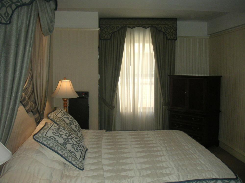 HOTEL 38-05.JPG